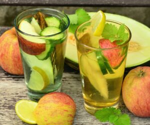Read more about the article 10 Easy-to-Make Summer Beverages you must Drink To Beat The Heat!