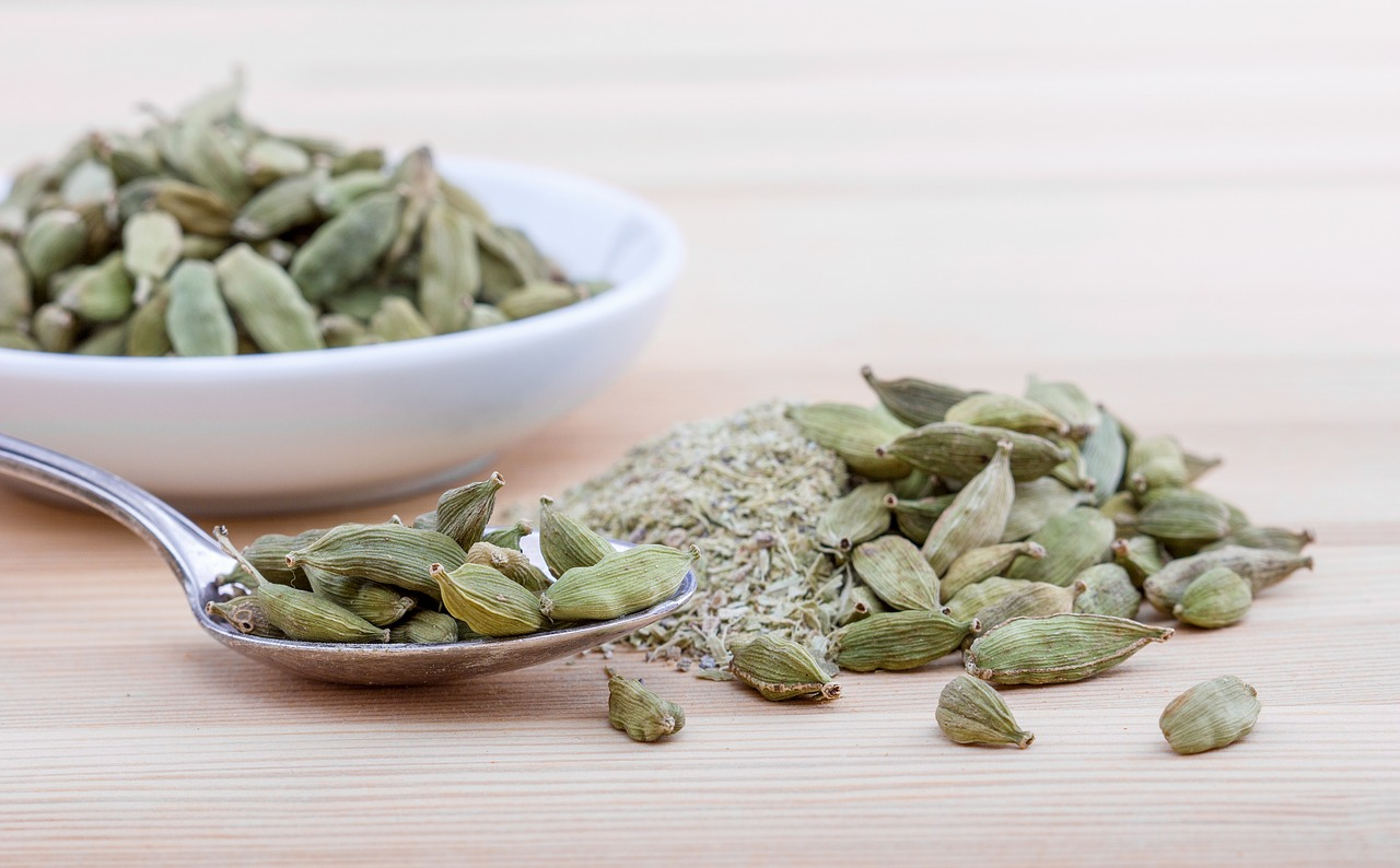 You are currently viewing What are the Health Benefits of Cardamom ?